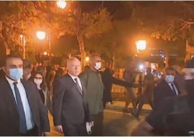 الرئيس التونسي قيس سعيد يحتفي مع أنصاره