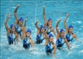 ملابس سباحة رياضية مصممة لتحسين الأداء