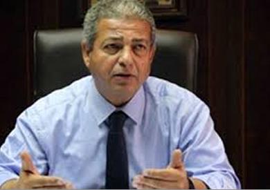 عبدالعزيز يناقش مع الأمير بث مباريات الدوري
