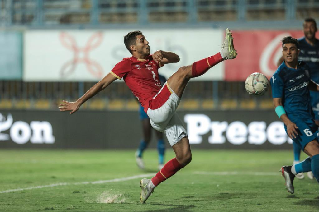 محمد شريف لحظة تسجيل الهدف الثاني للأهلي فى شباك أسوان