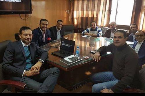 اللجنة المنظة لكأس العالم للسلة تجتمع مع مسئول الإتحاد الدولي