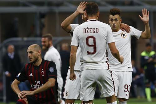 روما يذل الميلان برباعية يعود بها لوصافة الدوري الإيطالي