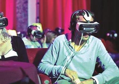 افتتاح أول قاعة عرض سينمائى بتكنولوجيا الواقع الافتراضى فى باريس