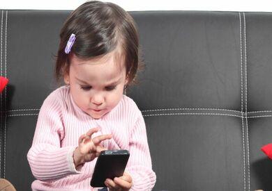 استخدام الأطفال للهاتف المحمول