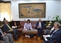 رئيس جامعة الإسكندرية يناقش بدء تنفيذ إنشاء الكليات المجتمعية